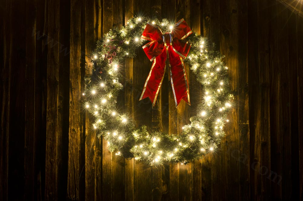 - Lighted Christmas Wreath - Photo Tripping America